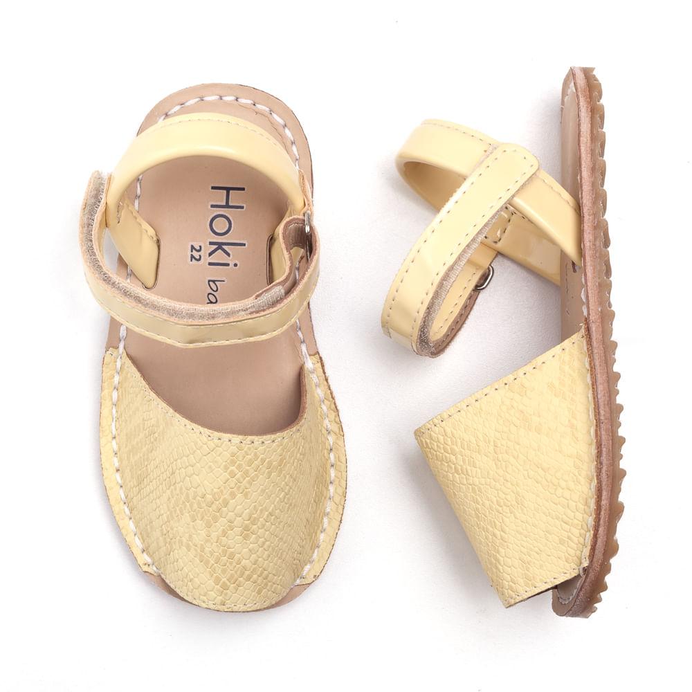 sandalia-avarca-baby-croco-amarela