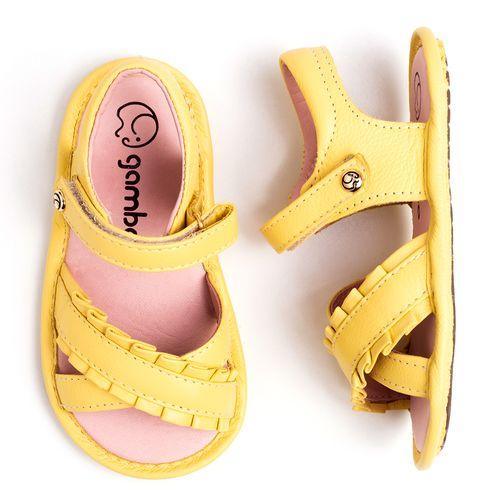 sandalia-infantil-gambo-baby-babado-amarelo